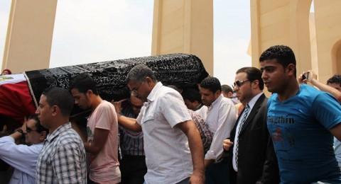 إكليل من الزهور باسم الرئيس الفلسطيني على ضريح الفنان الكبير عمر الشريف