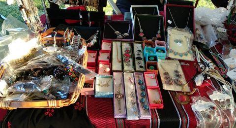 بازار الاعمال اليدوية للفتيات المقدسيات في كفرقاسم