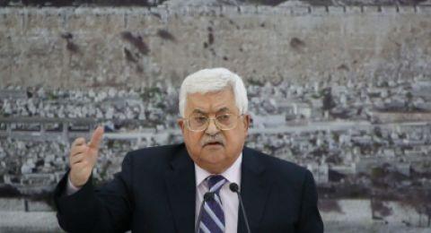 عباس لمسؤولين مصريين: تلعبون بملعبنا بتدخلكم في غزة