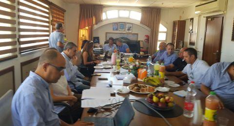مدير عام وزارة السياحة يجتمع في الشبلي أم الغنم لتقدم بمشروع سوق المزارعين