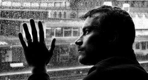 اكتئاب ما بعد الولادة  .. قد يصيب الرجال أيضًا!