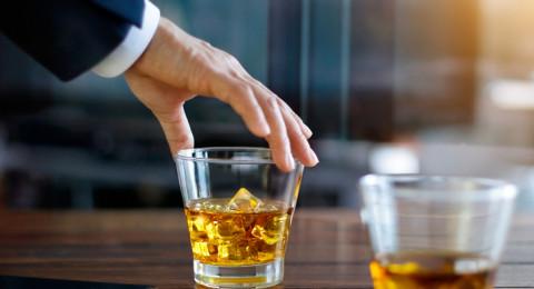 ما هو خطر الكحول على الخلايا العصبية؟