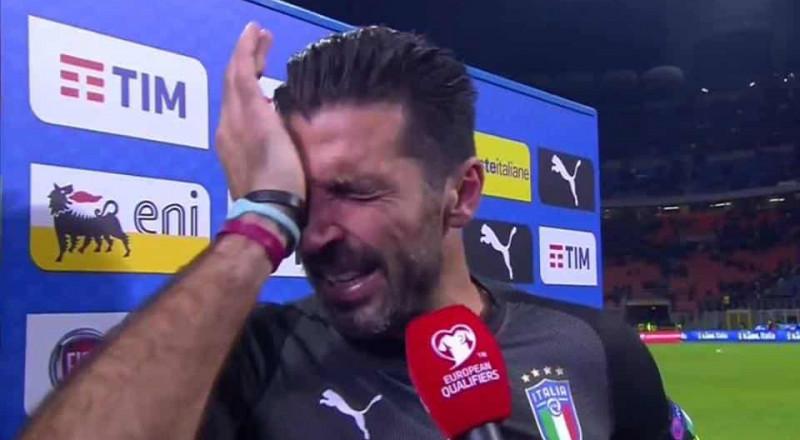 حارس المرمى الايطالي: ينهار باكياً: كنت أتمنى نهاية أفضل