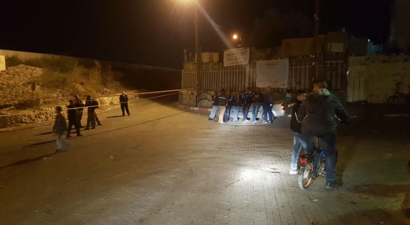 اصابة بالغة لشاب من جسر الزرقاء بعد تعرضه لاطلاق نار