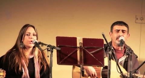 الفنان الجليلي ألبير مِرعب يغني في رام الله