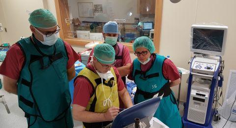 زراعة منظم دقات القلب في قسم القلب والقسطرة في مستشفى الناصرة – الإنجليزي