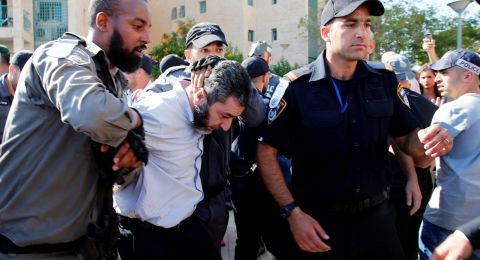 الشرطة تعتقل الشيخ حسام أبو ليل وتعتدي عليه في المظاهرة الرافضة لنقل السفارة  للقدس