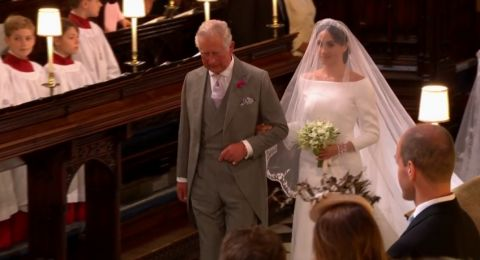 الأمير تشارلز رافق ميغان بدلاً من والدها في حفل زفافها