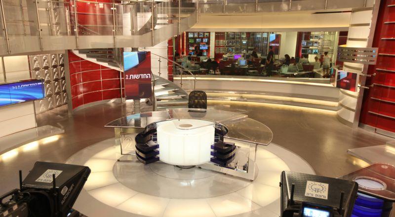 شبان أتراك يضربون طاقم القناة 2 الإسرائيلية