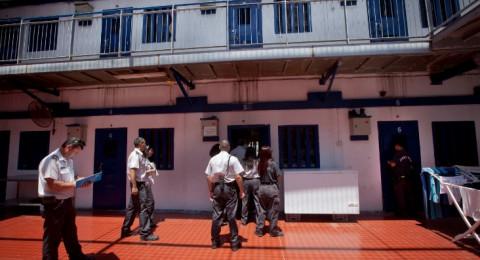 5 أسرى في سجن مجدو يعانون عزلاً انفراديا مجحفا