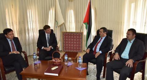 سلمان يستقبل القنصل البريطاني العام الجديد في القدس