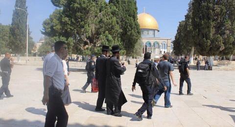 89 مستوطنًا اقتحموا الامس المسجد الأقصى وسط قيود مشددة