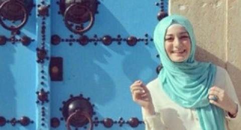 نصائح لارتداء التنورة الشيفون مع الحجاب