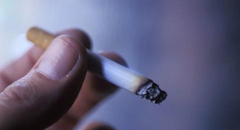 دراسة: التدخين يضاعف خطر تساقط الأسنان