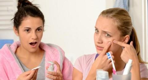 ما علاقة معجون الأسنان بظهور البثور؟