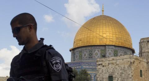 حملة فيسبوكية وتنديد بقرار الاحتلال منع الآذان بالمساجد