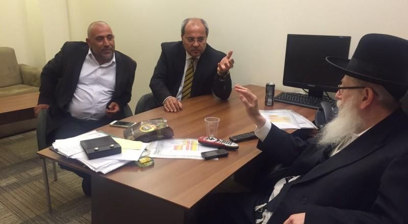 اتصالات عاجله يجريها الطيبي وابو عرار وغنايم مع الوزراء ليتسمان ودرعي لمنع التصويت على قانون منع الاذان غدا