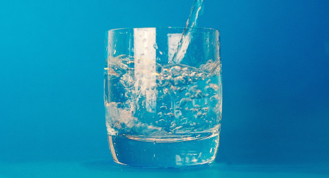 فوائد مذهلة لشرب الماء الدافئ يوميا!