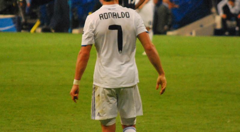 لماذا قرر رونالدو الرحيل عن ريال مدريد؟
