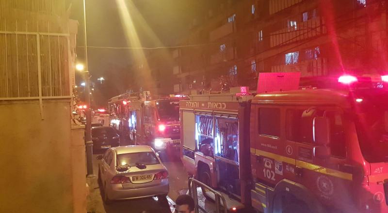 حريق في المركز الجماهيري في طوبا .. وحرق 3 سيارات في حيفا