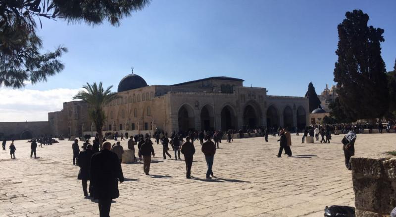 السلطات الاسرائيلية تمنع العمل والترميم بالمسجد الأقصى