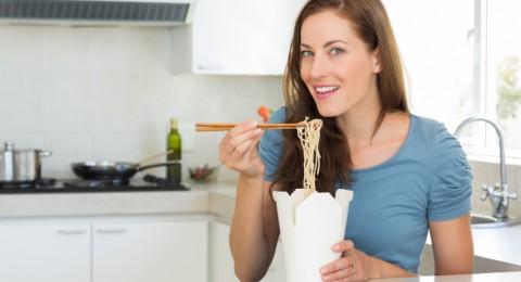 المعكرونة بالمساء تخفض السكر والكولسترول