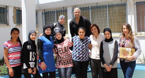 فتيات وحدة نهوض الطيرة يُدخلن البهجة إلى قلوب طالبات مدرسة الحنان للتعليم الخاص