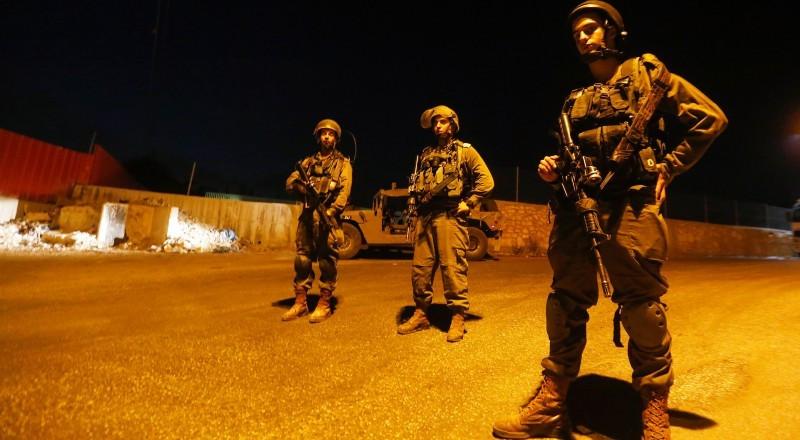 الجيش الاسرائيلي يعتقل ثلاثة شبان من نابلس