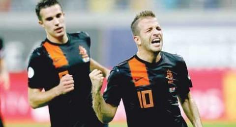 هولندا تسحق رومانيا وكرواتيا تواصل التقدم نحو المونديال