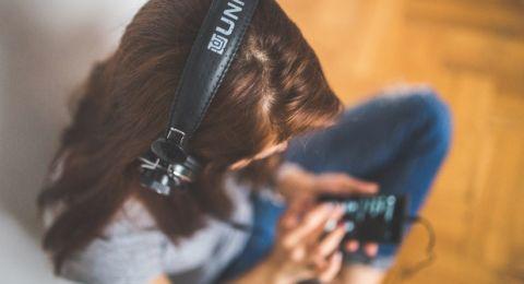 الموسيقى تحد من شعور مرضى الخرف بالاكتئاب