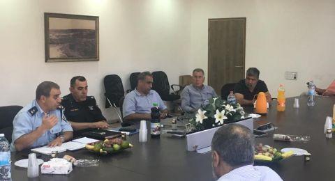 الشرطة تجري اجتماعًا للمرشحين للانتخابات في منطقة وادي عارة