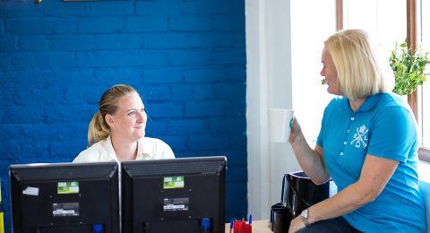 تحسين شروط عمل 1500 عاملا اجتماعيا يعملون في جهاز الصحة بموجب عقود عمل خارجية