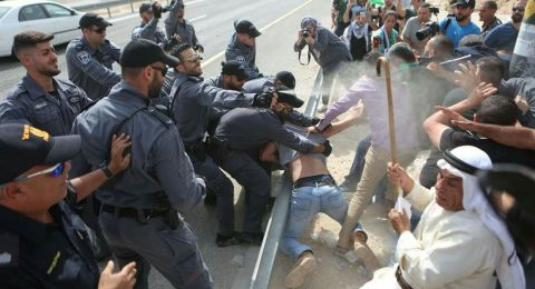 بينهم وزير فلسطيني .. اصابات خلال قمع الاحتلال مسيرة الخان الاحمر