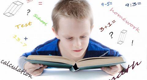 كيف تساعدين طفلك على حب المدرسة؟ 5 نصائح ذهبية