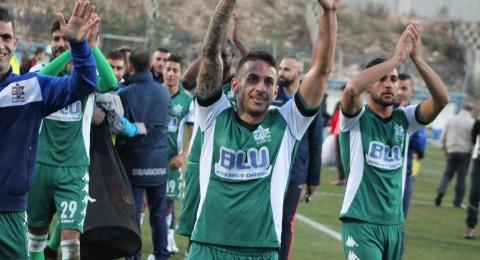 الاخاء النصراوي ينتفض ويقلب تأخره لفوز..وبتسعة لاعبين