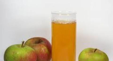 ماذا تعرف عن فوائد عصير التفاح؟