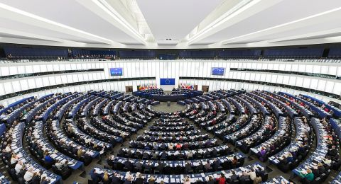 البرلمان الأوروبي يطالب الاحتلال بالرفع الفوري للحصار عن غزة