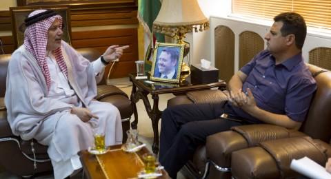 النائب عودة يلتقي وزير الأوقاف الأردني لتحسين خدمات الحج والعمرة