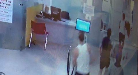 فيديو: اعتقال شاب كسّر معدات وهدد الاطباء بمستشفى الجليل الغربي