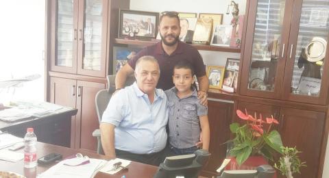 الطفل محمد شريف علي الاول في الوسط العربي بموضوع الرياضيات
