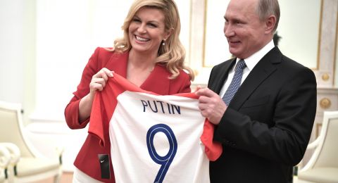 رئيسة كرواتيا تجهش بالبكاء بعد النهائي!