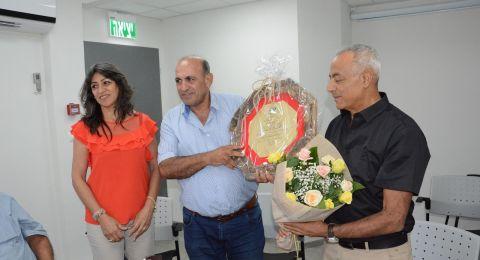 مجلس عمال لواء الناصرة يعقد جلسة سكرتارية خاصة لتكريم النقابي الجبهوي جهاد عقل .\