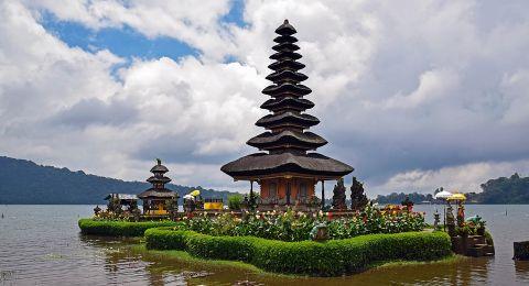اليكم مجموعة من النصائح عند السياحة في بالي