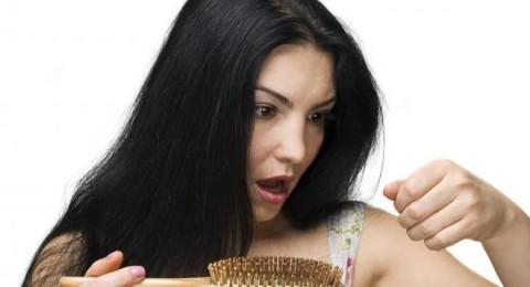 علاقة الحديد بتساقط الشعر وتشقق الفم