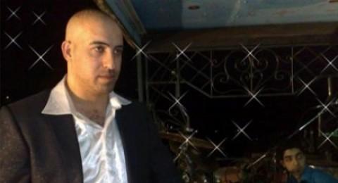 إصابة الفنان باسل جبارين برصاص مجهولين غرب جنين