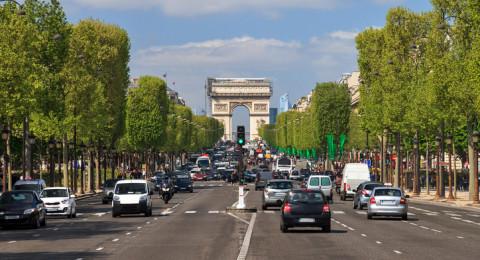 باريس تحظر سيارات الديزل والبنزين