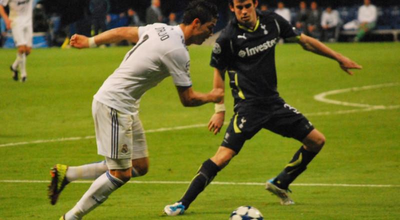 رونالدو يفشل في محاولة تقليد رونالدينيو