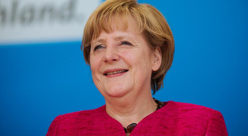 ألمانيا توافق على بيع ثلاث غواصات لإسرائيل