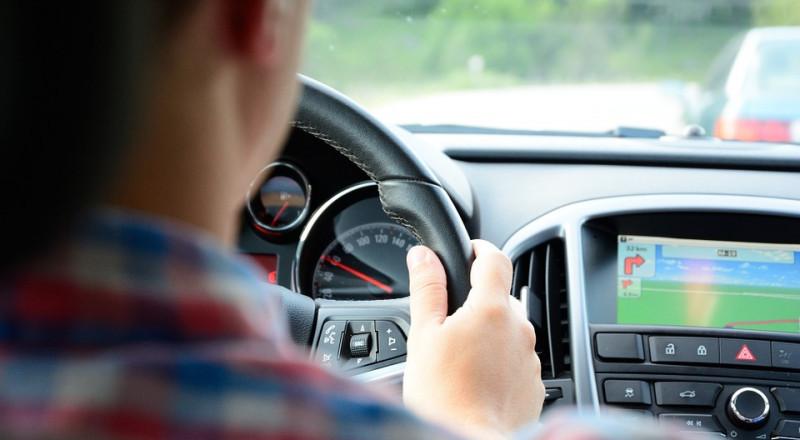 نصائح ذهبية لتجنب مخاطر القيادة الليلية