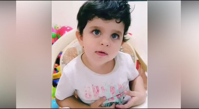 طفل لبناني يُدهش روّاد شبكات التواصل بعبقريته!